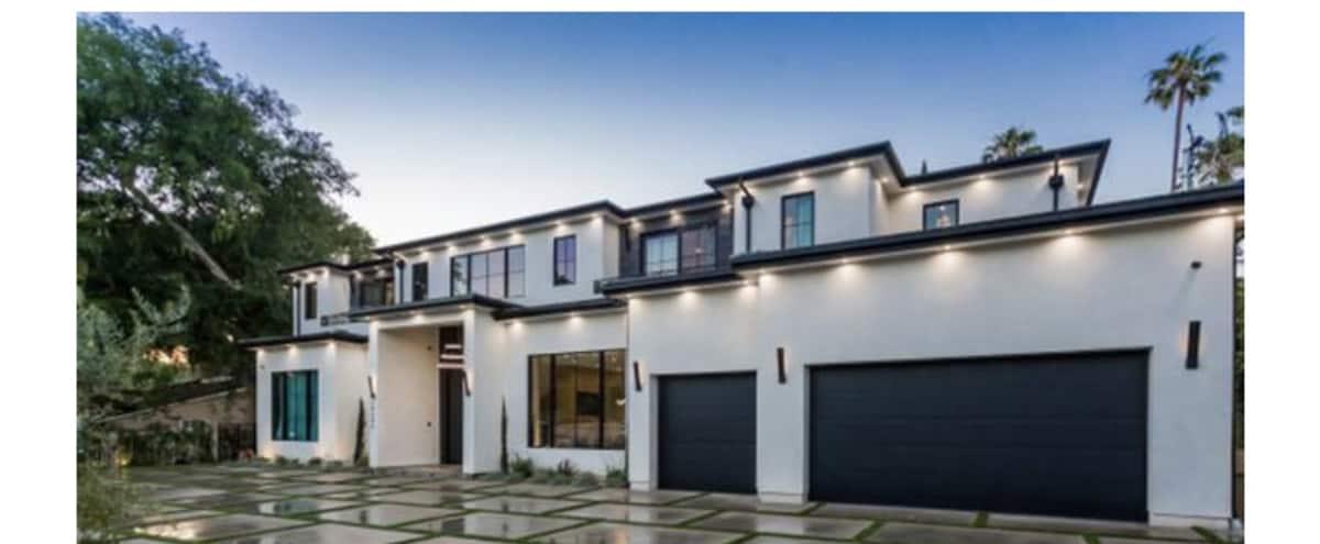 Modern Mansion in Tarzana Hero Image in Tarzana, Tarzana, CA
