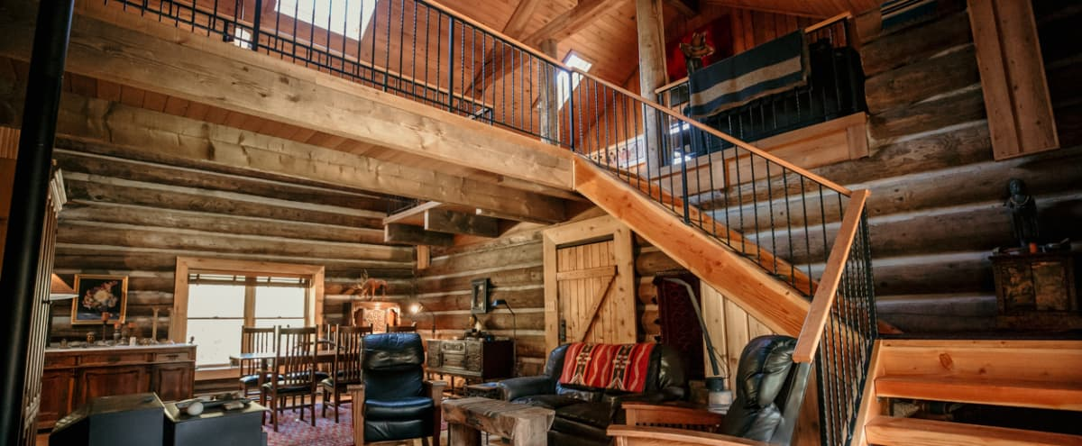 Gorgeous One of a Kind Log Home in Wine Country in Newberg Hero Image in undefined, Newberg, OR
