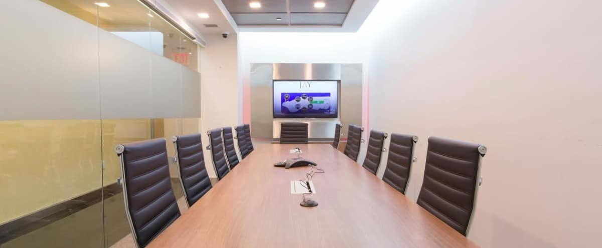 Medium Ergonomic Conference Room for 14 - Meeting Room F - HS in New York Hero Image in Midtown, New York, NY
