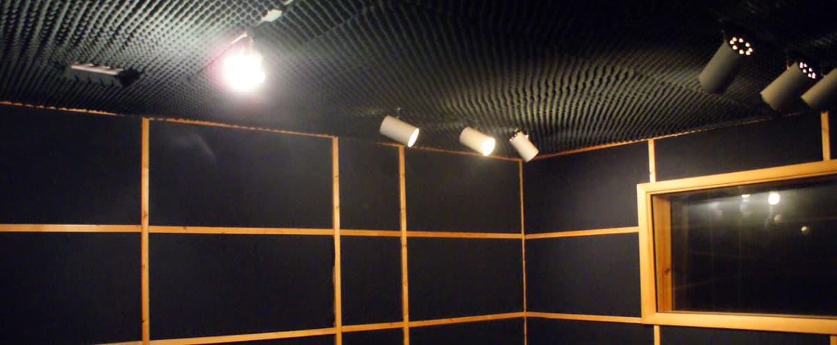 A-list Professional Recording Studio in Sherman Oaks in Sherman Oaks Hero Image in Sherman Oaks, Sherman Oaks, CA