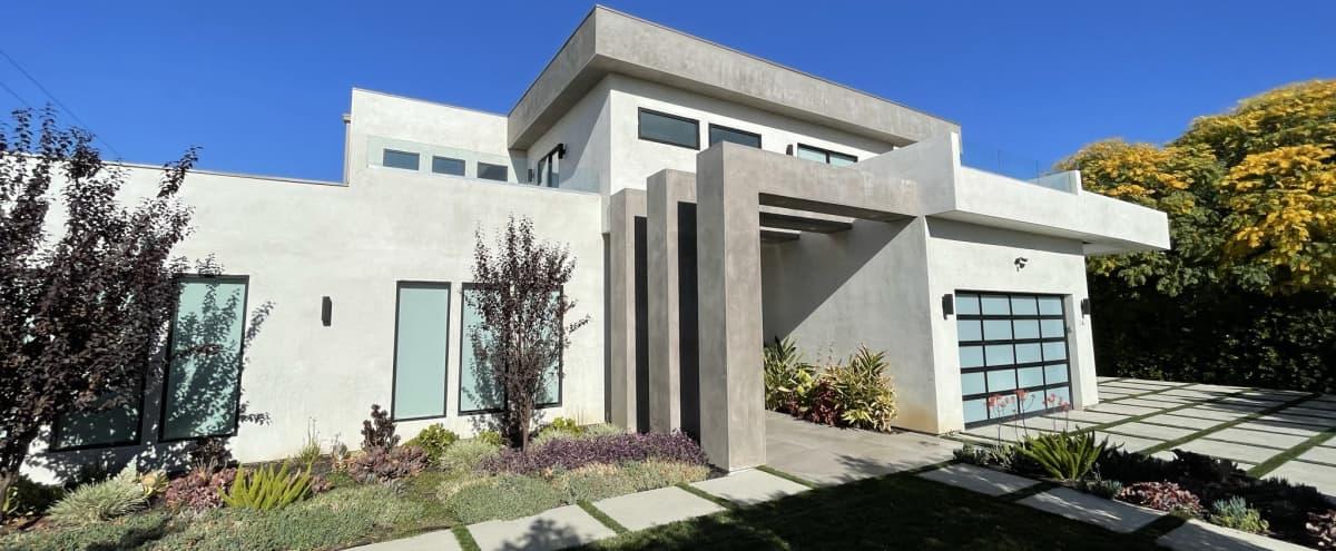 Modern Contemporary Mansion in Encino Hero Image in Encino, Encino, CA