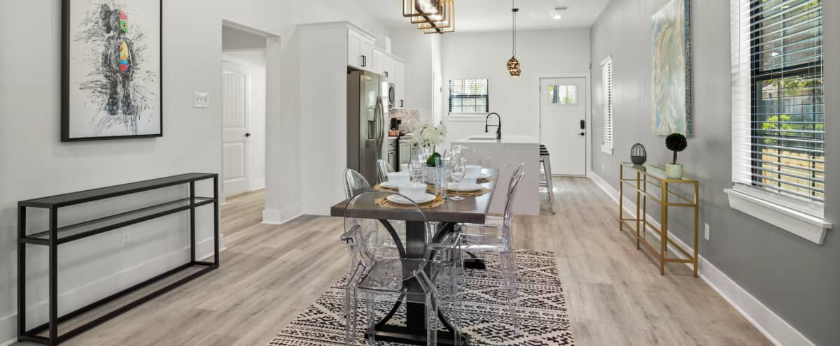 Modern Farmhouse in Central Location in Houston Hero Image in Greater Fifth Ward, Houston, TX