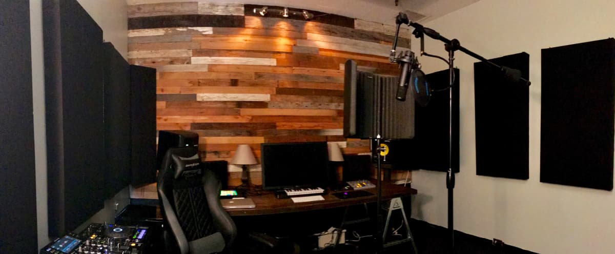 Stylish and Modern Creative Studio in the Heart of Hollywood in Los Angeles Hero Image in Hollywood, Los Angeles, CA