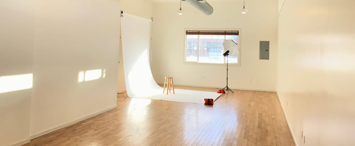 Bright & Spacious Photo Studio (all included) in Brooklyn Hero Image in Greenpoint, Brooklyn, NY