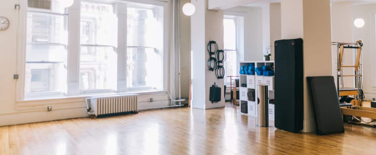 Flatiron Bright, Spacious, Beautiful, Airy Studio in New York Hero Image in Midtown, New York, NY
