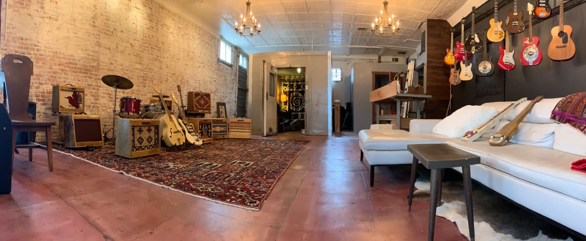 Gorgeous Space for Showcases, Photography or Film (sound system available), Events near DTLA in Los Angeles Hero Image in Boyle Heights, Los Angeles, CA