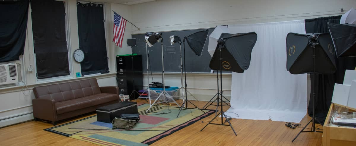Spacious Classroom Studio with Beautiful Natural Lighting in Dunellen Hero Image in Pluckemin, Dunellen, NJ