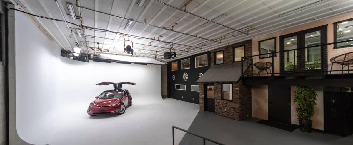 Production Studio in Santa Cruz, 30'x30' Cyc Stage for Video & Photography in Santa Cruz Hero Image in undefined, Santa Cruz, CA