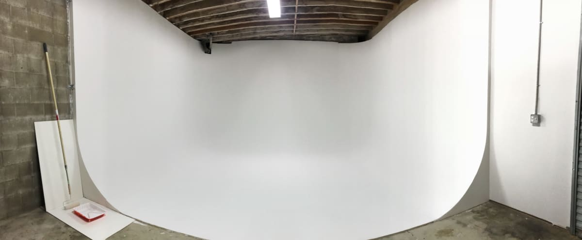 Los Angeles 3 Wall Infinity White Cyc for TV and Film Production  15 in Maywood Hero Image in undefined, Maywood, CA
