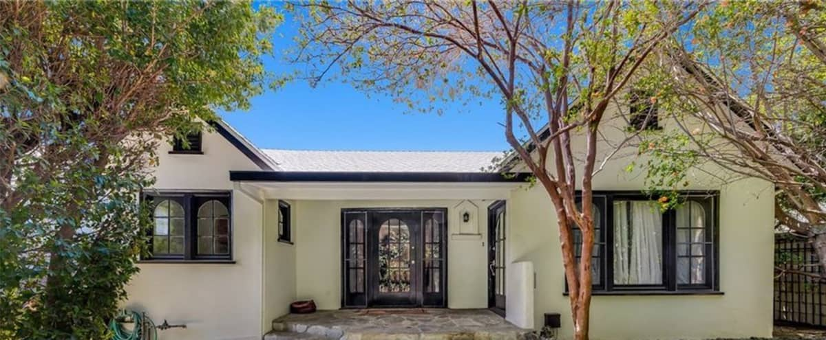 Entire Gorgeous Hollywood home in Los Angeles Hero Image in Melrose, Los Angeles, CA