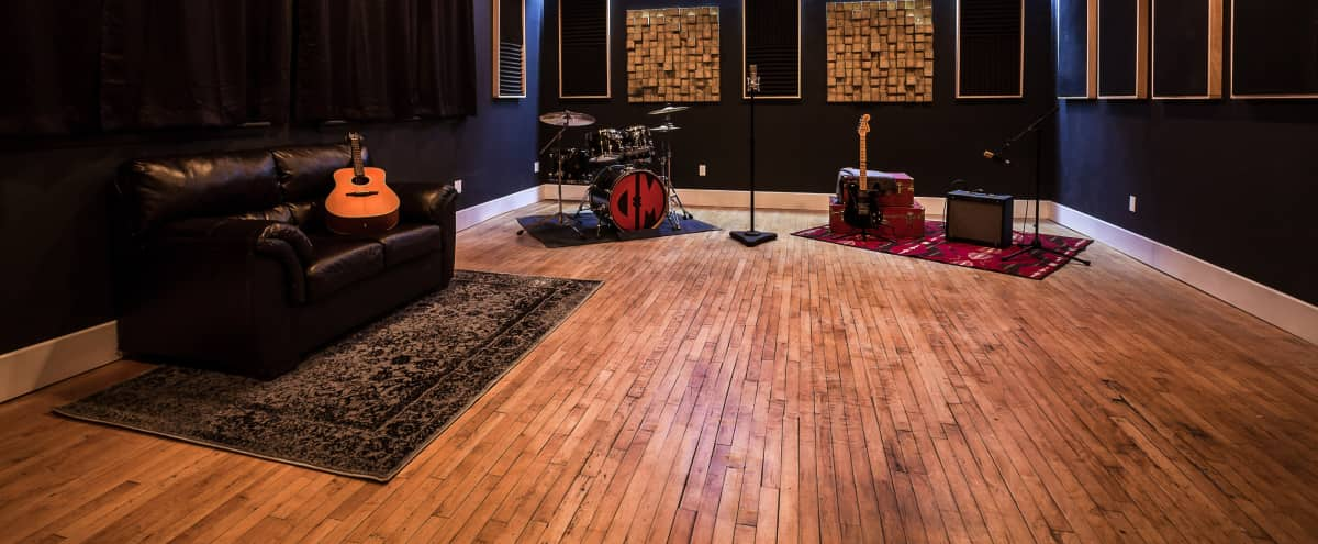 Rustic Music Studio With Spacious Layout Nutley Nj