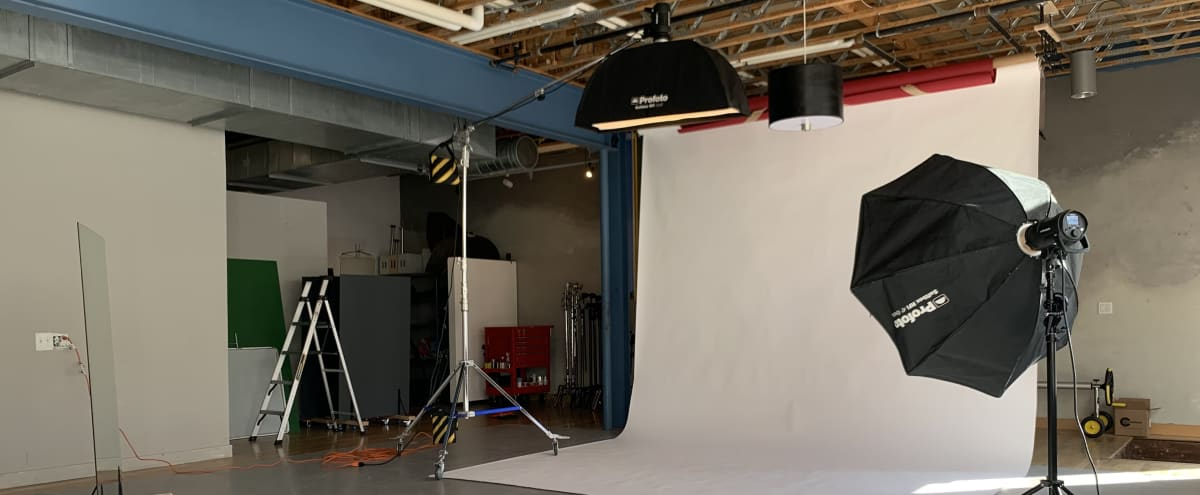 Downtown Photo Studio with Great Natural Light + Backdrops in Denver Hero Image in Lincoln Park, Denver, CO