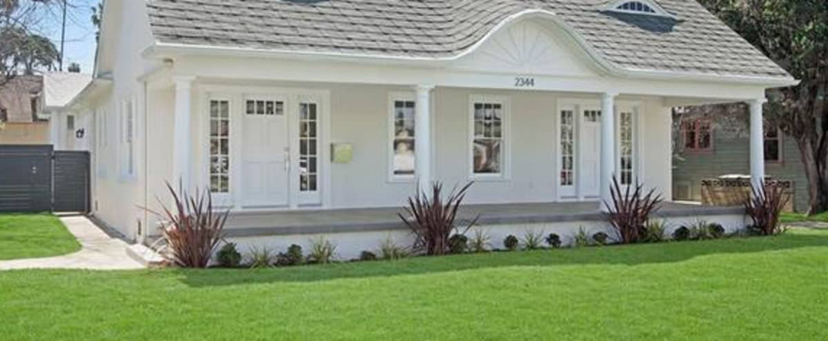 Large Elegant Colonial Manor in the Heart of LA - Bright and New in Los Angeles Hero Image in Jefferson, Los Angeles, CA