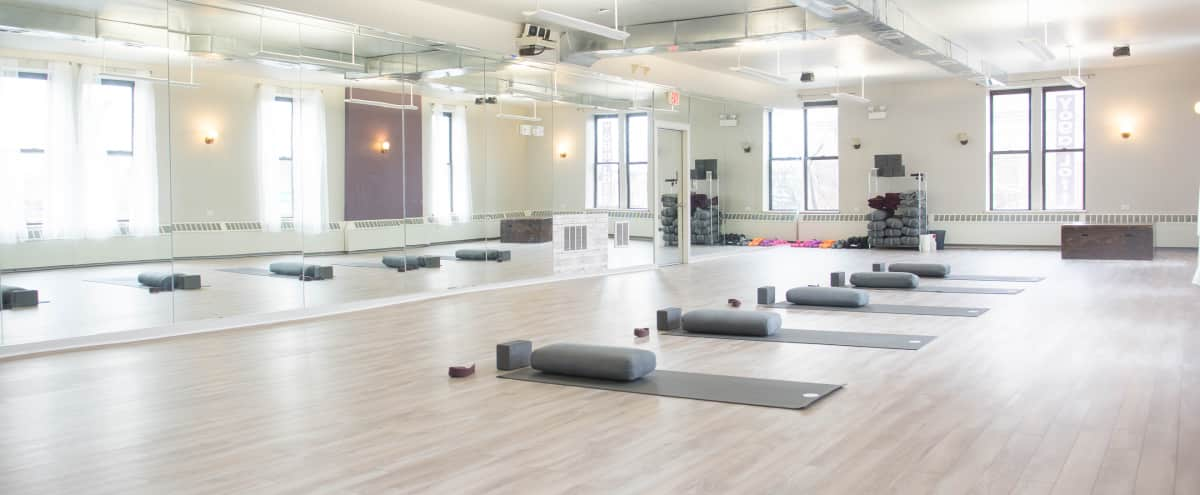 Great Natural Light Yoga Studio in Oak Park in Oak Park Hero Image in Oak Park, Oak Park, IL