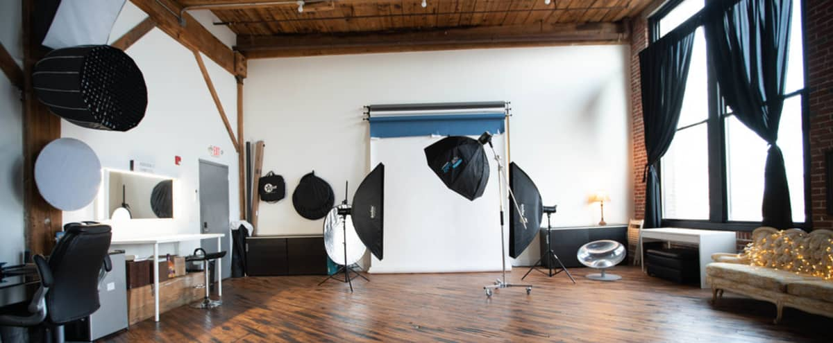 Spacious Creative Space - Photo Shoots - Natural Light - Wifi in Philadelphia Hero Image in Kensington, Philadelphia, PA