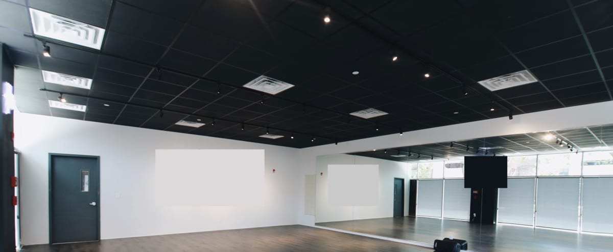 Modern Studio with Tons of Natural Light in RAHWAY Hero Image in undefined, RAHWAY, NJ