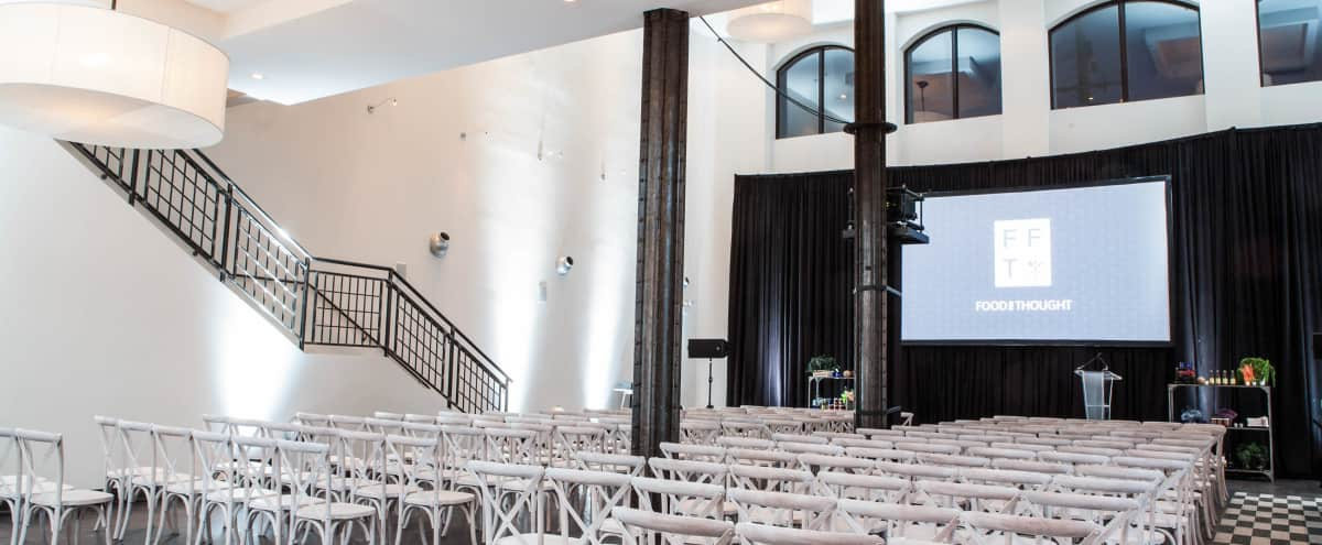 Urban Event Hall for Meetings, Presentations, & Corporate Gatherings in Chicago Hero Image in South Loop, Chicago, IL