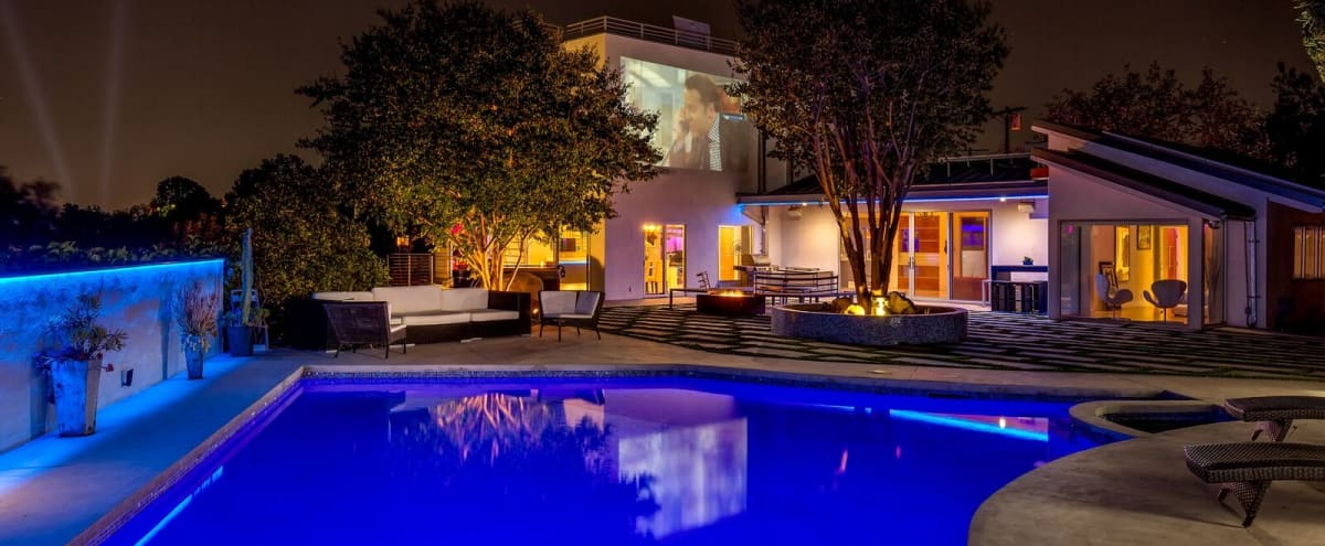 Modern Hollywood Mansion w/ Iconic Views in Los Angeles Hero Image in Central LA, Los Angeles, CA