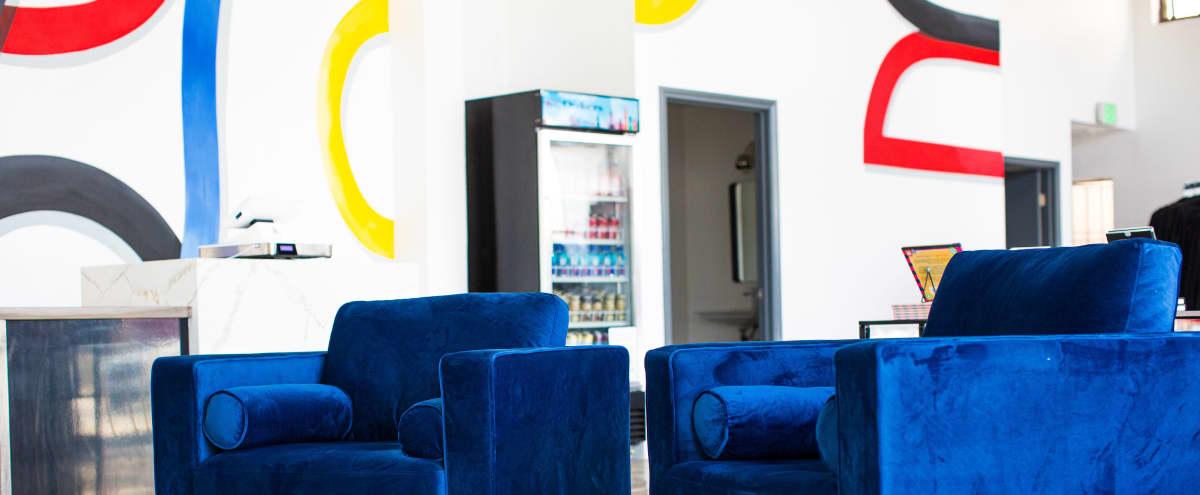 1200 ft² Trendy Retail + Lounge Space (Melrose Ave & N La Brea) in Los Angeles Hero Image in Melrose, Los Angeles, CA