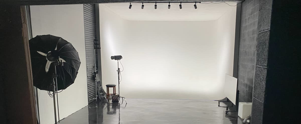 Large Studio Space, Open Concept, with 4 cyc Wall Areas in DENVER Hero Image in Overland, DENVER, CO