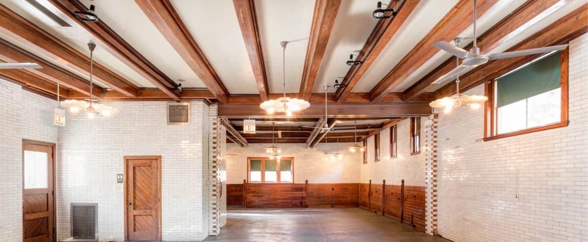 Historic coach house with open, loft-like feel - just two blocks from McCormick Place! in Chicago, IL Hero Image in South Loop, Chicago, IL, IL