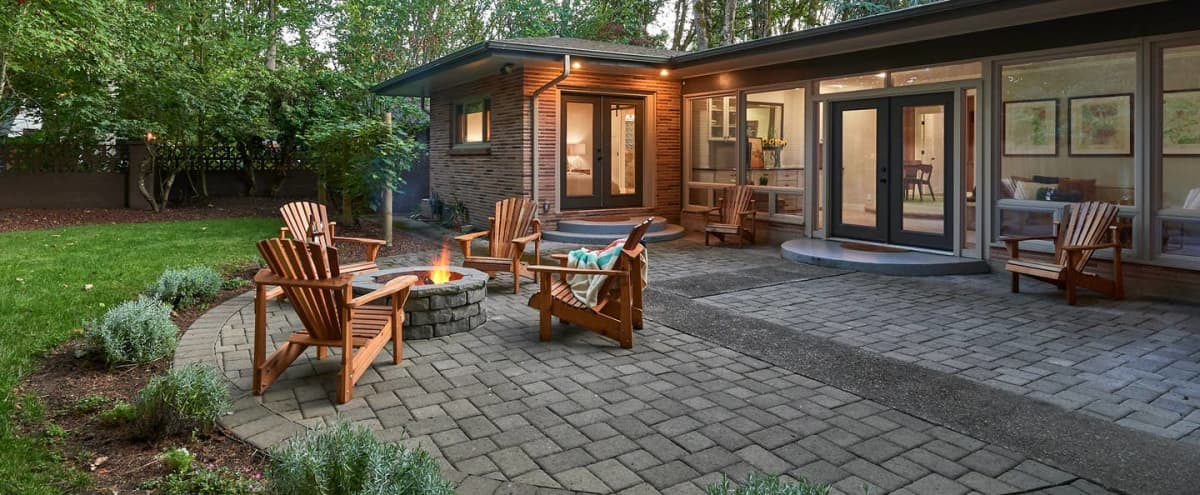 Elegant Midcentury Home in McMinnville Hero Image in undefined, McMinnville, OR