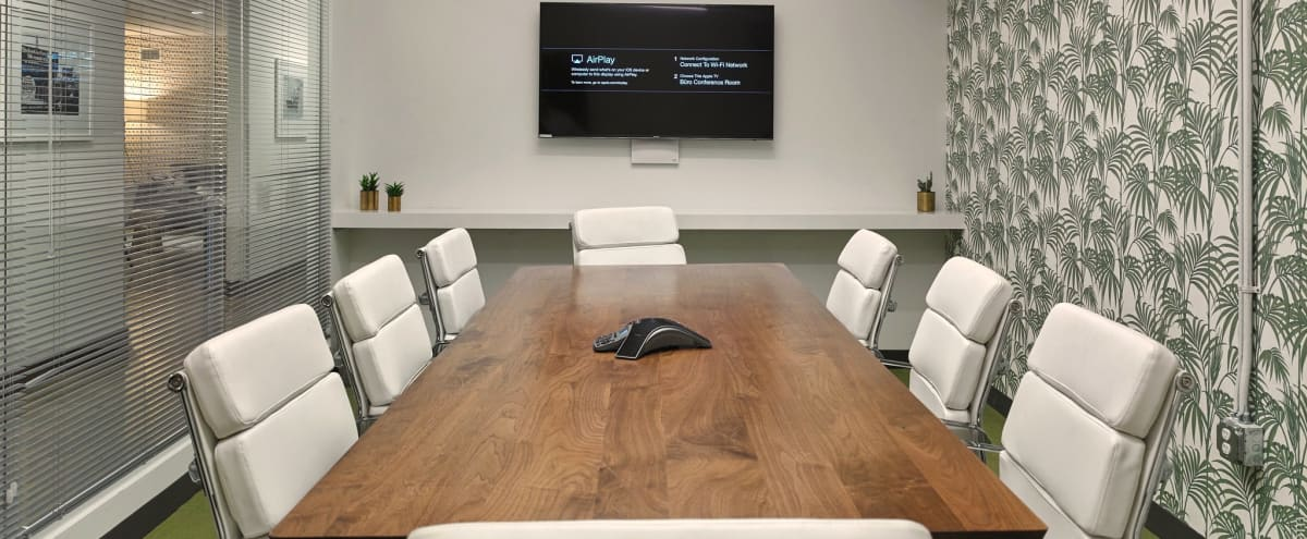 Biscayne Boulevard Meeting & Conference Room For 8 in Miami Hero Image in Upper East Side, Miami, FL