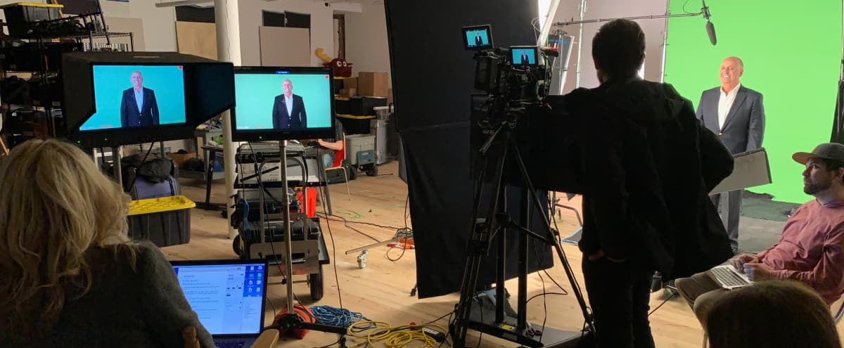 600 sq. ft. Chelsea production stage with in-house lighting and backdrops, video studio, green screen and photo studio in New York Hero Image in Chelsea, New York, NY
