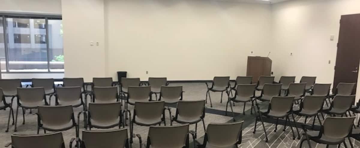 Midtown Atlanta Medium Sized Corporate Meeting, Training & Presentation Room in Atlanta Hero Image in Buckhead, Atlanta, GA