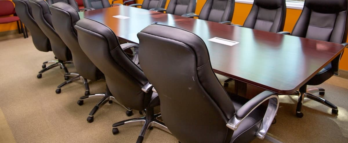 Fully Equipped Modern Conference Room in Troy Hero Image in undefined, Troy, MI