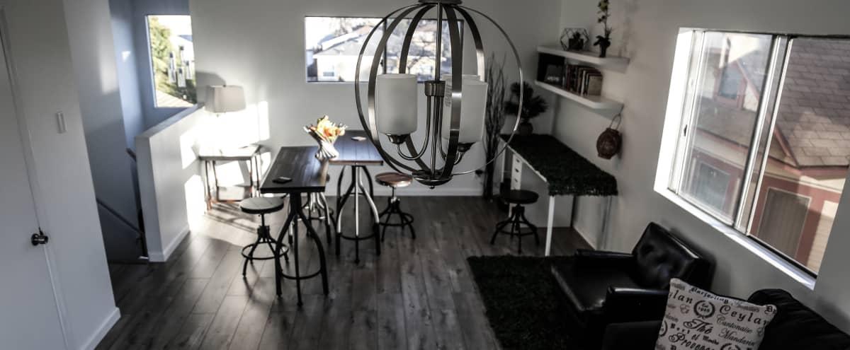 Cozy Photo Studio Space in Los Angeles Hero Image in Mid City, Los Angeles, CA
