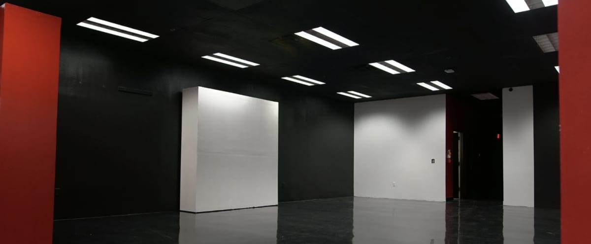 Spacious Gallery Production Space with Movable Walls in las vegas Hero Image in undefined, las vegas, NV