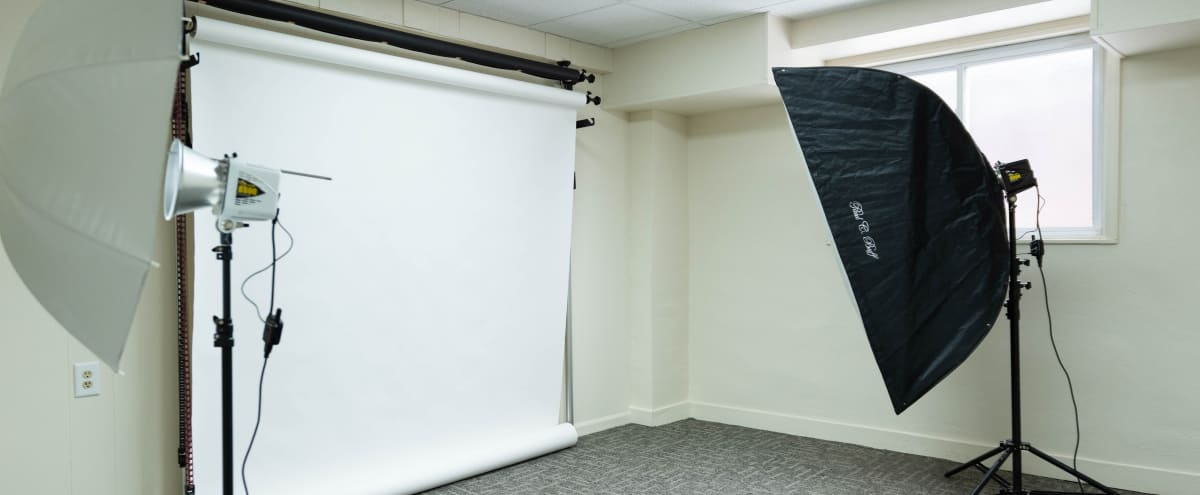 Stylish Shared Photo Studio with Urban Vibe in Johnstown Hero Image in undefined, Johnstown, PA