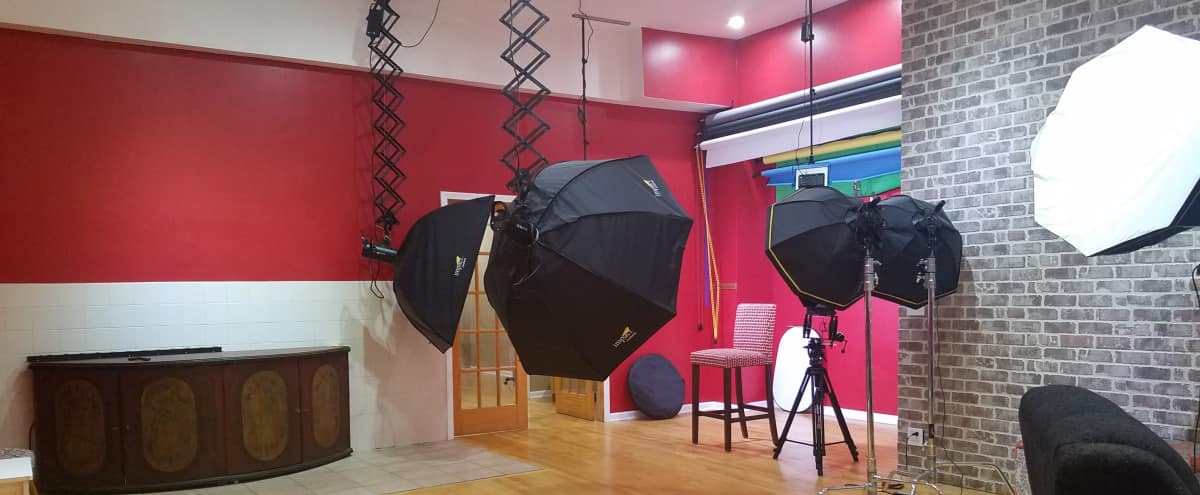 Photography Studio near University of Chicago - EVENING RATE in Chicago Hero Image in Greater Grand Crossing, Chicago, IL