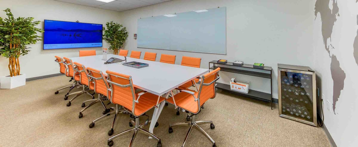 Bright and Energetic Meeting Space in Jersey City Hero Image in Downtown Jersey City, Jersey City, NJ
