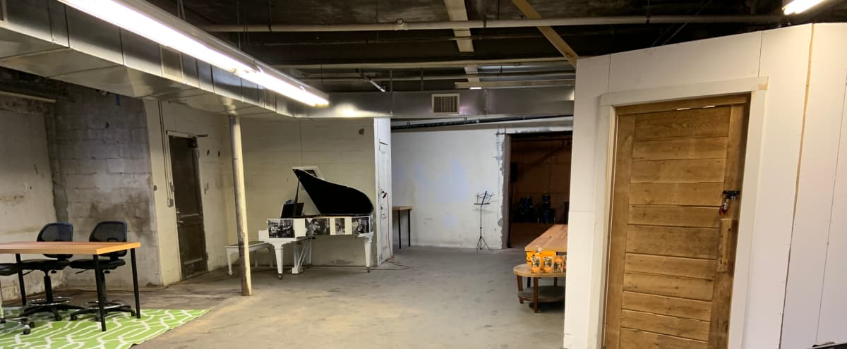 Beautiful Open Studio, Great for a Gallery, Rehearsal, or Meeting Space in Newton Hero Image in Newton Highlands, Newton, MA
