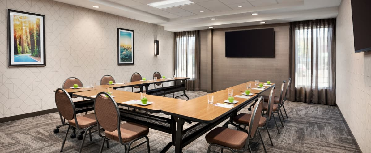 Suburban Private Hotel Meeting Room in Vacaville Hero Image in undefined, Vacaville, CA