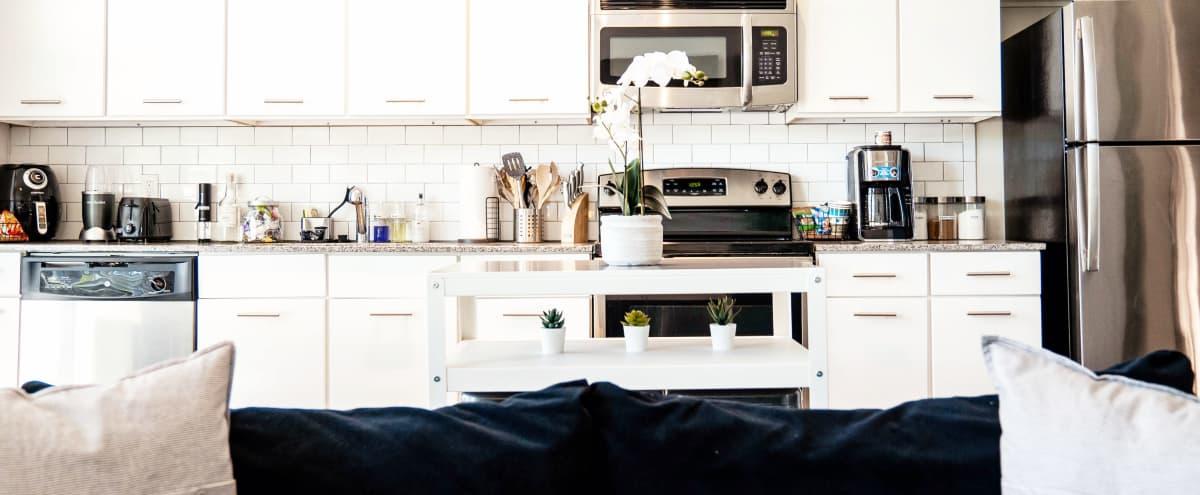 Loft apartment in prime location in the city in Atlanta Hero Image in Buckhead, Atlanta, GA
