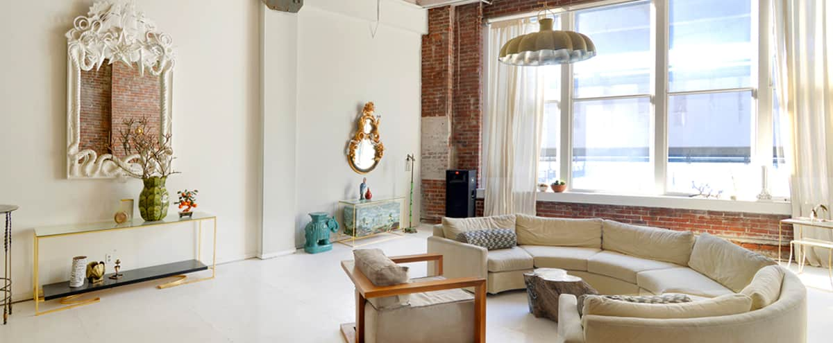 Amazing Designer Downtown Loft in Seattle Hero Image in Pioneer Square, Seattle, WA