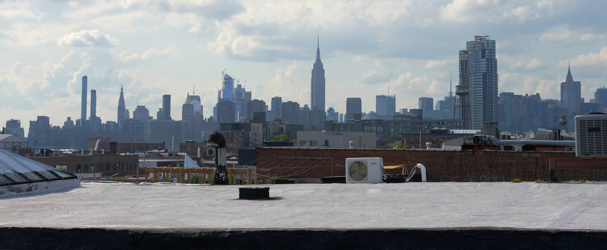 Spacious Natural Light Studio with a Cyc and Roof Top Access in Broolyn Hero Image in Greenpoint, Broolyn, NY