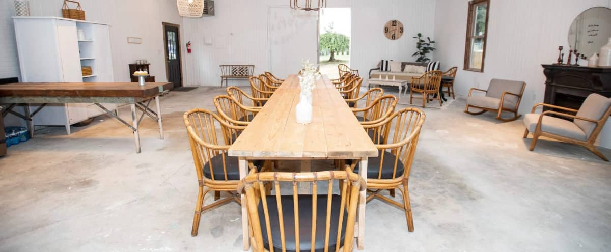 Stylish Flexible Space Venue with Outdoor Space in Puyallup Hero Image in undefined, Puyallup, WA