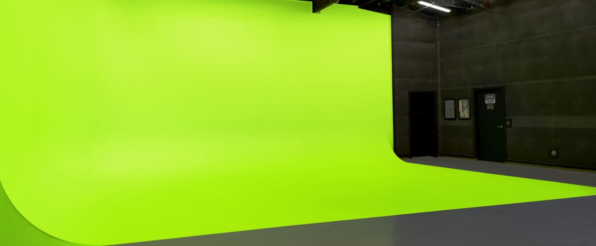 15,000 sf Industrial Film Studio with Green Screen and Plenty of Space in Northridge Hero Image in Chatsworth, Northridge, CA