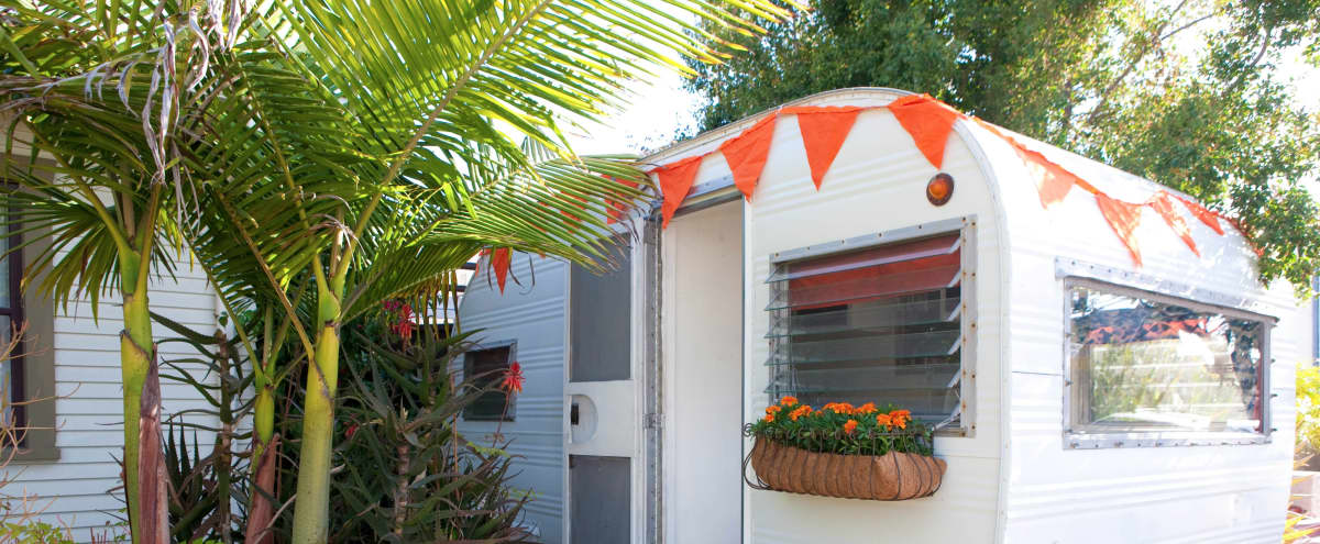 Vintage Trailer w/ Funky Decor, North Hollywood, CA | Production ...