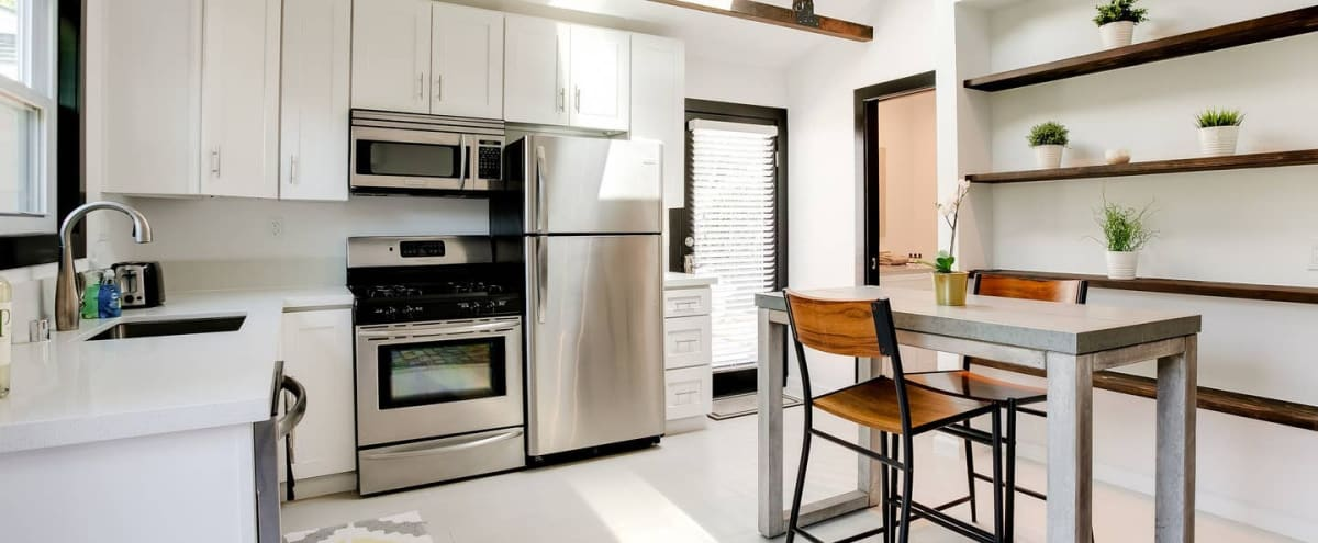 Newly Renovated Bright & Modern Guest House in Sherman Oaks Hero Image in Sherman Oaks, Sherman Oaks, CA