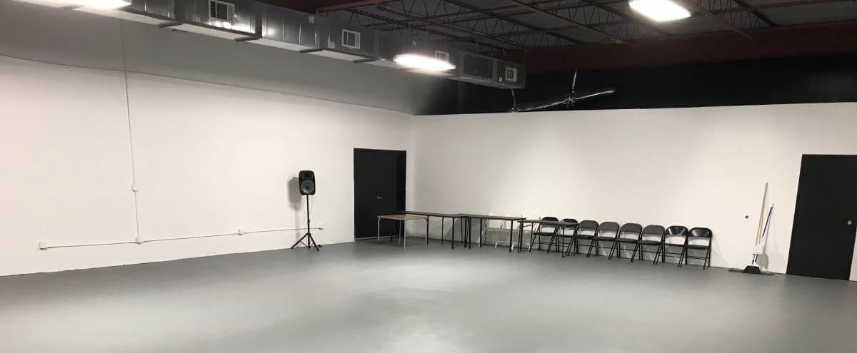 Modern Spacious Studios Near Arlington Highlands in Arlington Hero Image in East Arlington, Arlington, TX