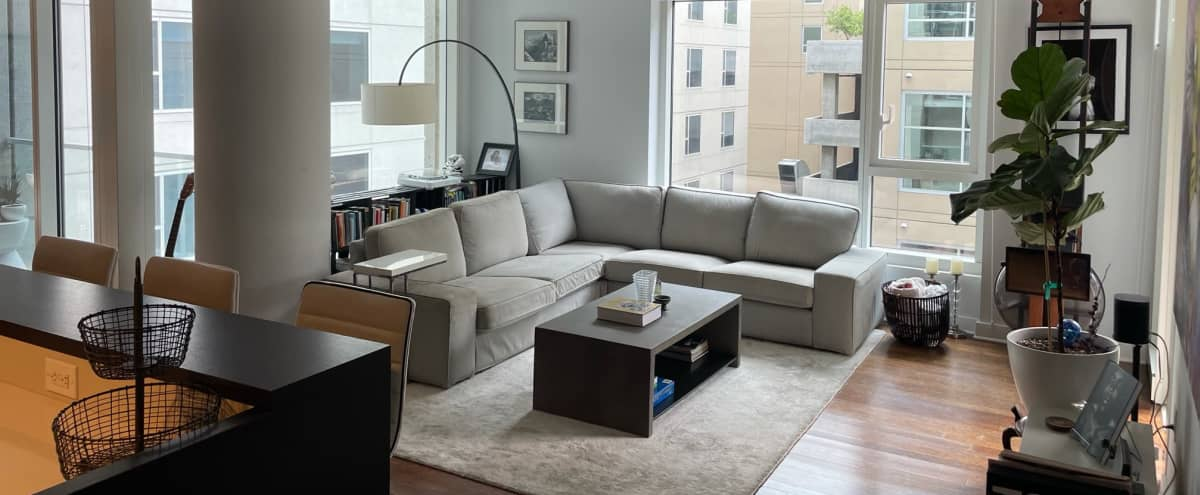 Bright & Luxurious Production Condo in Hollywood in Los Angeles Hero Image in Hollywood, Los Angeles, CA