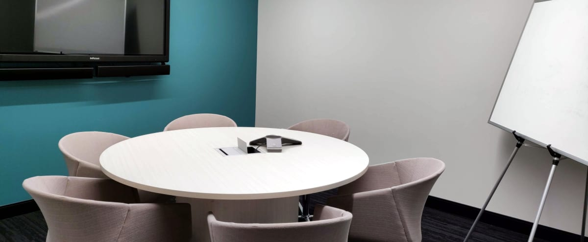 Roundtable Meeting Room by Thompson Center (CTA) in Chicago Hero Image in Chicago Loop, Chicago, IL