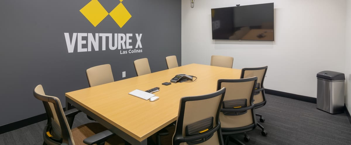 8 Person High-Tech Meeting Room in Irving Hero Image in Las Colinas, Irving, TX