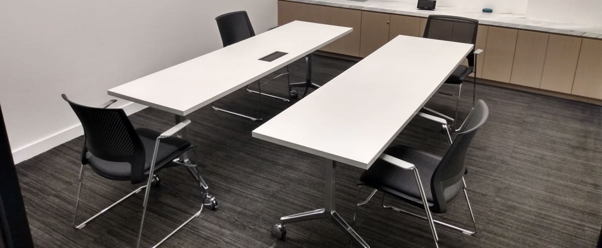 Modern Off Site Conference Meeting Room (C) in Midtown, Close to Bryant Park in New York Hero Image in Midtown, New York, NY