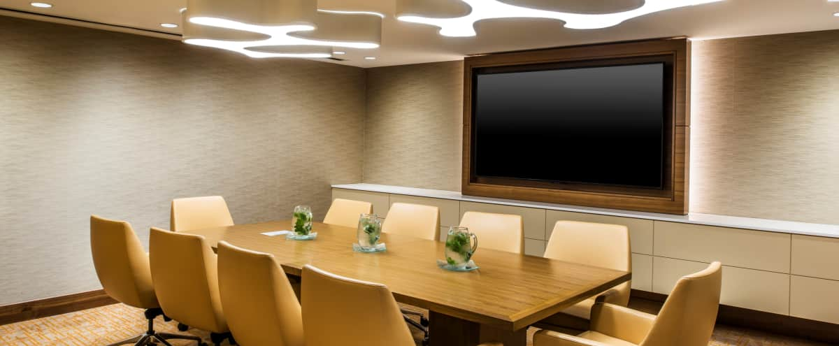 Heart of Downtown meeting room for 12ppl in Chicago Hero Image in The Loop, Chicago, IL